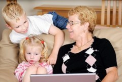 grandma-with-kids-on-computer-25255B4-25255D