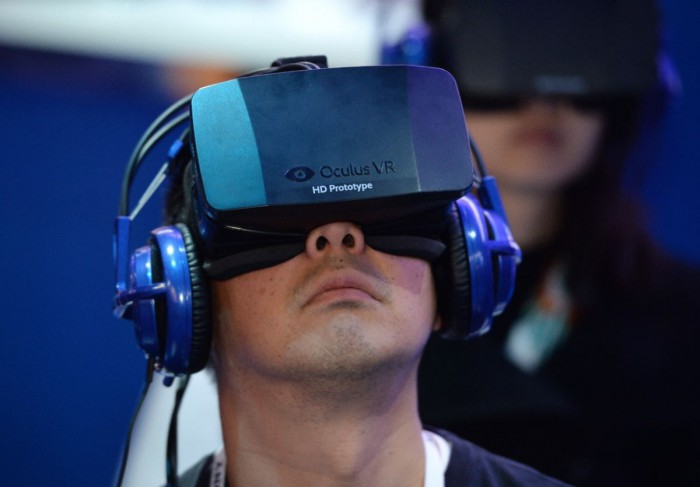 461621859-an-attendee-wears-an-oculus-rift-hd-virtual-reality.jpg.CROP.cq5dam_web_1280_1280_jpeg