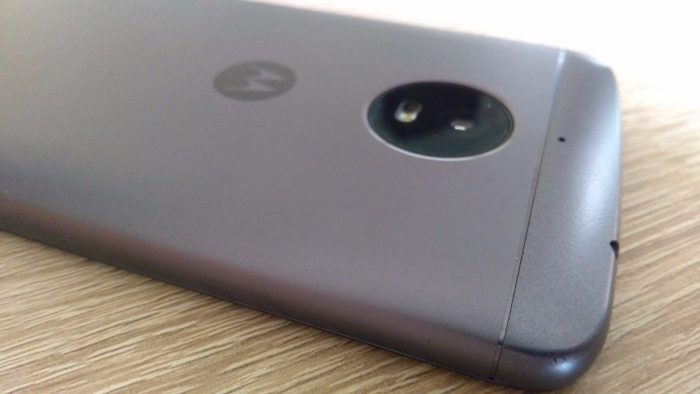 Moto E4 Plus – Duracell by se mohl učit