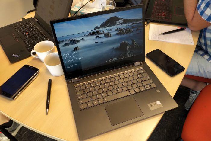 Lenovo Yoga 530-14: první pohled na notebook s AMD Ryzen