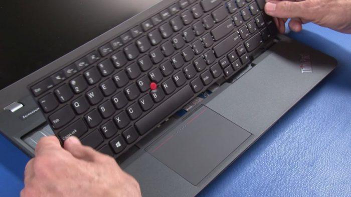 Opravili mi notebook a nový díl se zdá jiný – jak to?