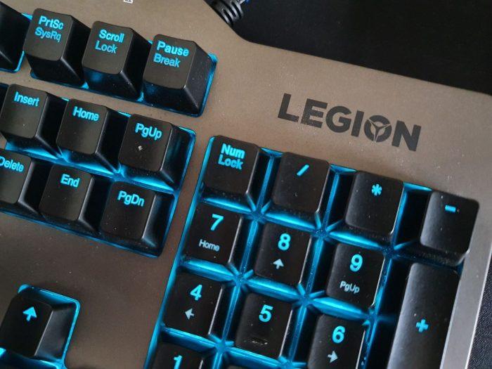Herní mechanická klávesnice Lenovo Legion K500 (recenze)