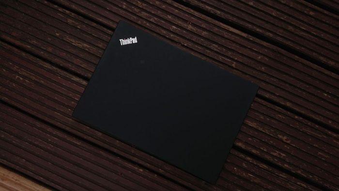 T490-zavřený-2